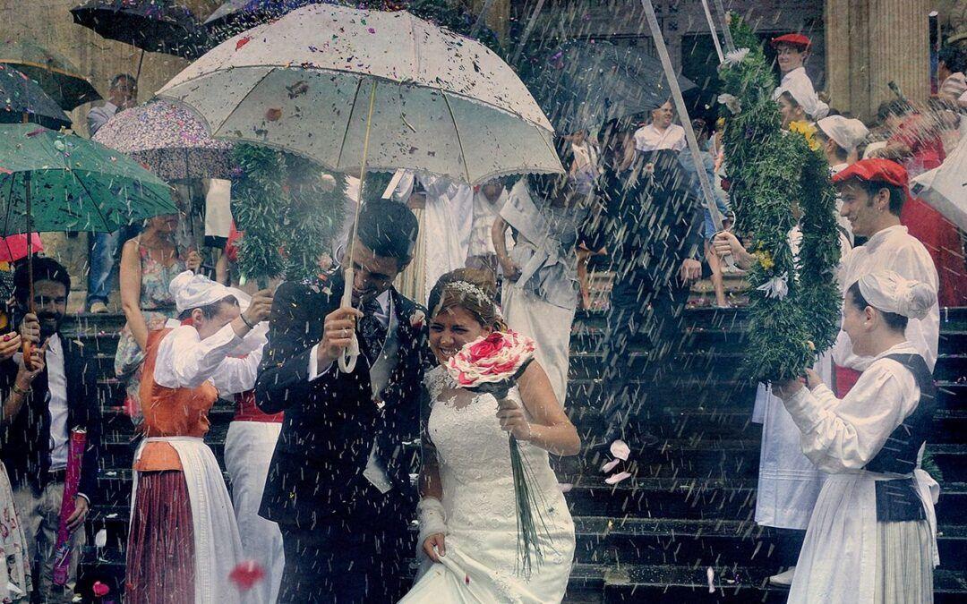 Alternativas contra la lluvia en las bodas